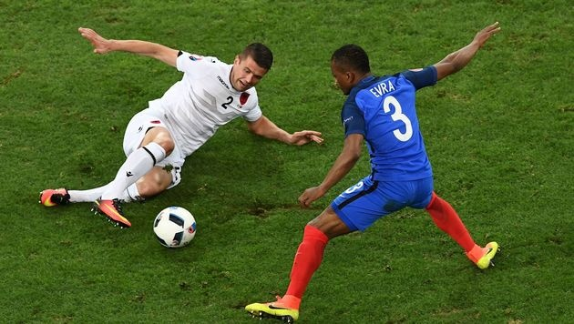 Griezmann & Payet retten Frankreich vor Blamage! (Bild: AFP)