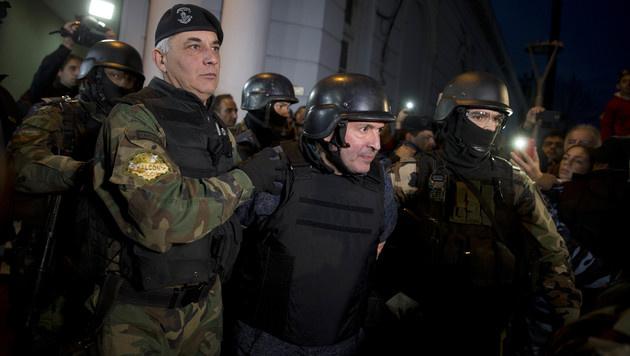 Lopez bei seiner Festnahme (Bild: AP)
