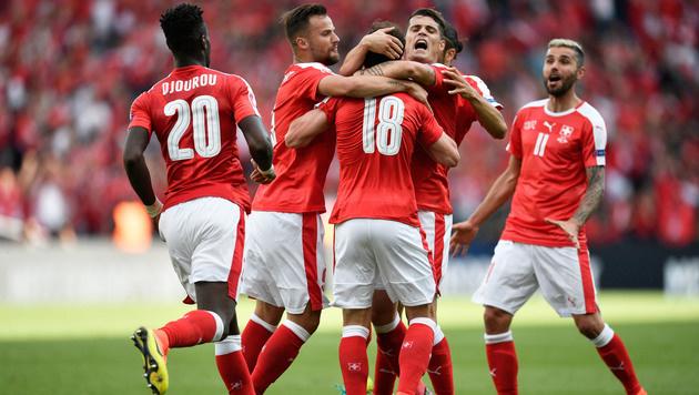 Rumänien überrascht mit 1:1 gegen tattrige Schweiz (Bild: AP)