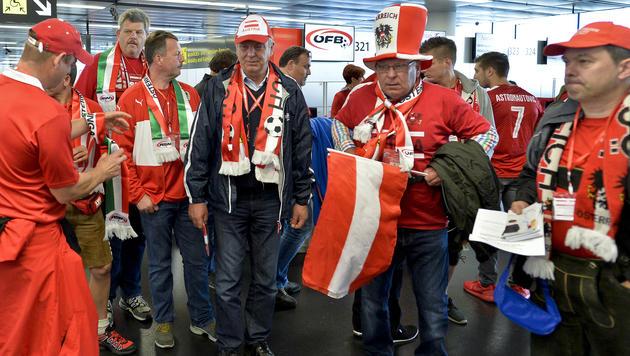 Viele österreichische Fans reisten mit großen Erwartungen nach Bordeaux - und wurden enttäuscht. (Bild: APA/HERBERT NEUBAUER)