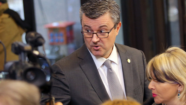 Seine Regierung ist über ein Misstrauensvotum gestürzt: Ministerpräsident Tihomir Oreskovic (Bild: ASSOCIATED PRESS)