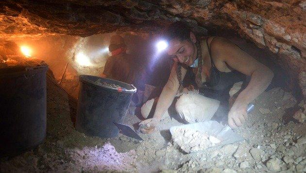 Israel: Forscher im Wettlauf mit Grabräubern (Bild: APA/AFP/Menahem Kahana)