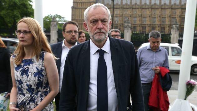Der schwer gezeichnete Labour-Vorsitzende Jeremy Corbyn (Bild: APA/AFP/DANIEL LEAL-OLIVAS)