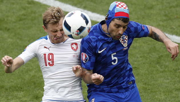 Pyro-Skandal: Kroatien droht harte Strafe der UEFA (Bild: AP)