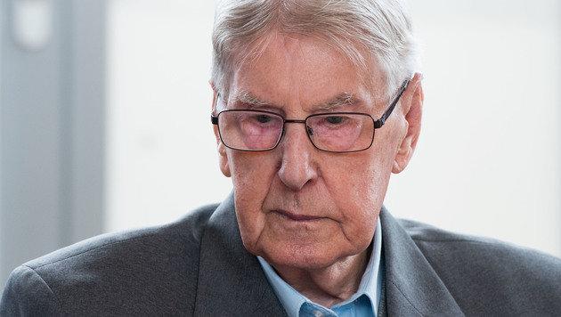Ex-SS-Wachmann Reinhold Hanning (Bild: AP/Bernd Thissen)