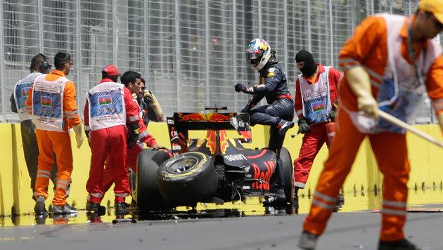 Machtdemonstration von Hamilton bei Baku-Auftakt (Bild: AP)
