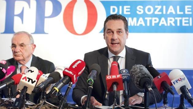 Wahlanfechtung durch die FPÖ: Im Bild Rechtsanwalt Dieter Böhmdorfer und Heinz-Christian Strache (Bild: APA/GEORG HOCHMUTH)