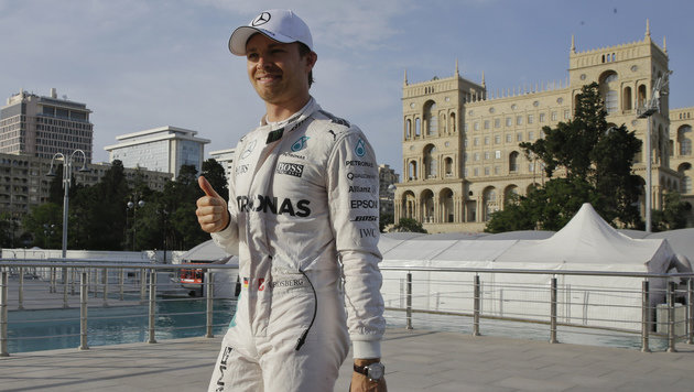 Pole in Baku an Rosberg - Hamilton patzt (Bild: AP)