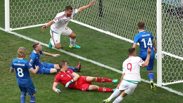 Spätes Eigentor macht Ungarn und Österreich froh! (Bild: AP)