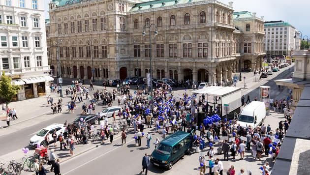 130.000 Menschen bei Wiener Regenbogenparade (Bild: APA/EXPA/SEBASTIAN PUCHER)