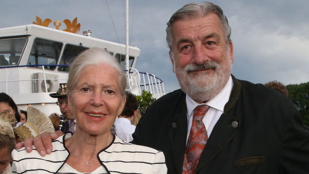 Christiane Hörbiger und Gerhard Tötschinger (Bild: KRISTIAN BISSUTI)