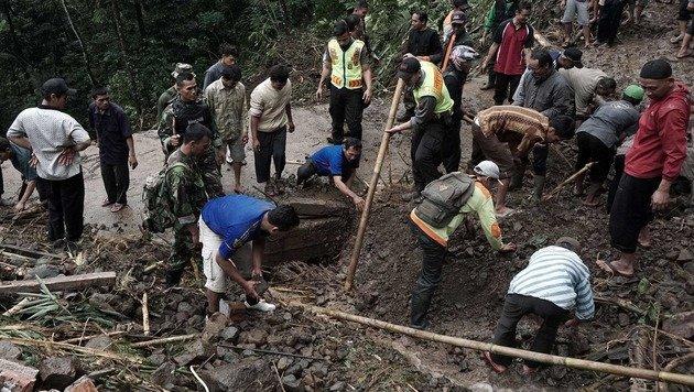 Indonesien: Mindestens 35 Tote bei Erdrutschen (Bild: AFP)