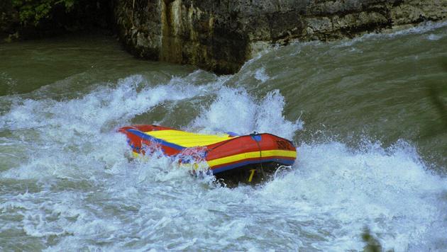 Deutscher bei Raftingunfall in Tirol verletzt (Bild: APA (Symbolbild))
