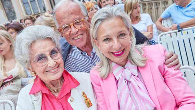 Lotte Tobisch mit Martina und Werner Fasslabend (Bild: Starpix/Alexander TUMA)