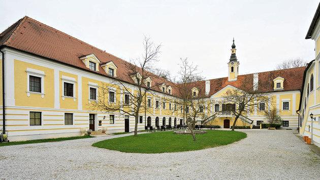 """Der Wolfgangsee wird nach Schloss Haindorf verlegt, wo """"Im weißen Rössl"""" auf dem Programm steht. (Bild: Helmut Mitter)"""