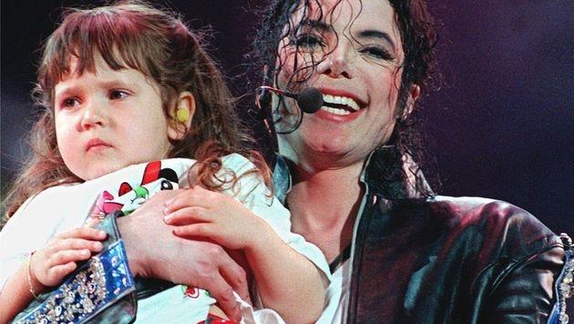 Michael Jackson hat sich gerne mit Kindern umgeben. (Bild: Ulrich Perrey)