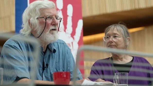 Peter Pringle und seine Ehefrau Sunny Jacobs wollen, dass niemand ihre Erfahrungen teilen muss. (Bild: APA/AFP/LARS OS)