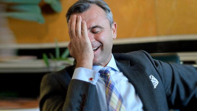 Hofers Wahlanfechtung vom VfGH zurückgewiesen (Bild: APA/ROLAND SCHLAGER)