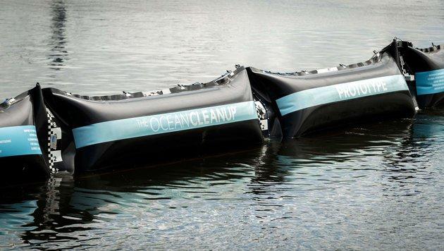 Niederländer will Plastik aus Ozeanen fischen (Bild: APA/AFP/ANP/Remko De Waal)