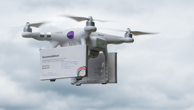 Abtreibungspillen mit Drohne abgesetzt (Bild: Marc Godefroy/womenonwaves.org)