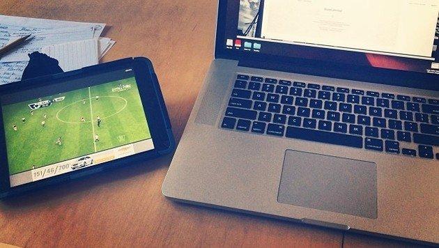 Illegale Fußball-Streams können Handy, Tablet und Laptop gleichermaßen infizieren. (Bild: flickr.com/Dave Taylor)