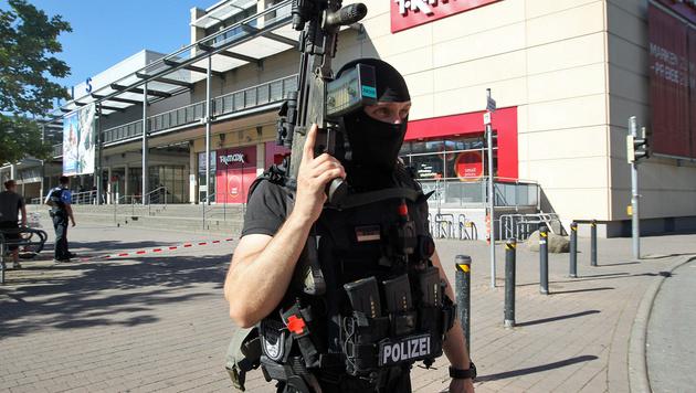Bewaffneter verschanzte sich in Kino: Erschossen! (Bild: APA/AFP/Daniel Roland)
