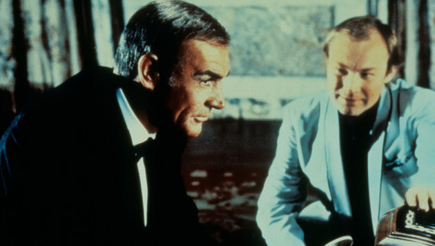 "Klaus Maria Brandauer mit Sean Connery im James-Bond-Film ""Sag niemals nie"" (Bild: Moviestore Collection/face to face)"
