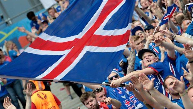 Island-Kommentator bangt um seinen Job (Bild: APA/AFP/KENZO TRIBOUILLARD)