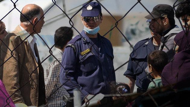 Syrische Nationalität massenhaft vorgetäuscht (Bild: AP, APA/AFP/LOUISA GOULIAMAKI)
