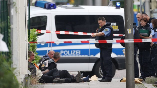 Leipzig: Toter bei Schießerei im Rockermilieu (Bild: EPA/Sebastian Willnow)