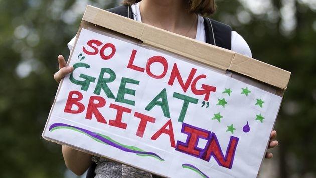 Eine Schottin plädiert nach dem Brexit-Voting für die Abspaltung ihres Landes von Großbritannien. (Bild: APA/AFP/Justin Tallis)