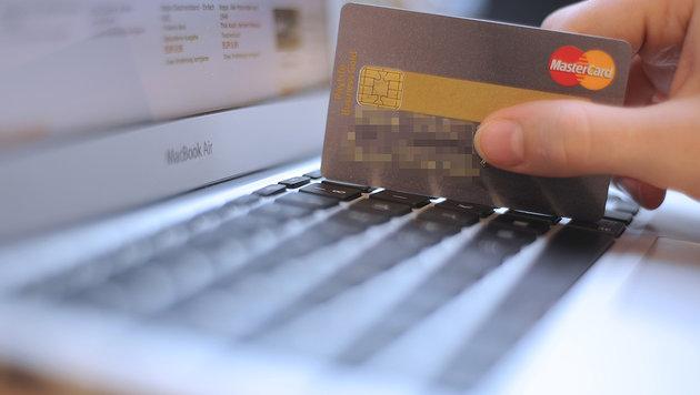 Das dunkle Geschäft mit unseren Kreditkarten (Bild: APA/Helmut Fohringer)