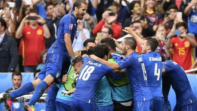 Italien tanzt Spanien aus - verkehrte Welt bei EM (Bild: AFP)