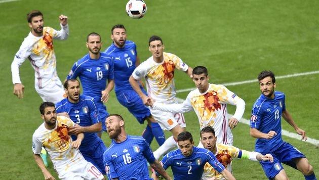 """Italien: """"Deutschland, du machst uns keine Angst!"""" (Bild: APA/AFP/PHILIPPE LOPEZ)"""