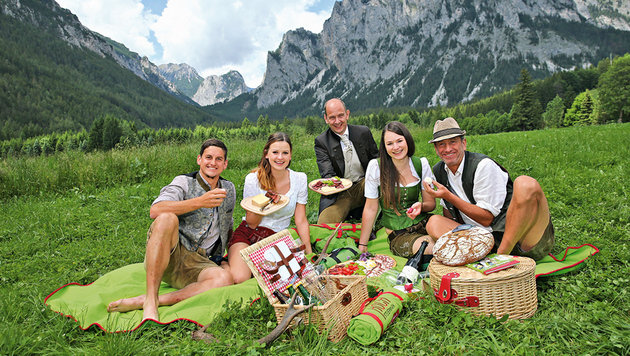 Wildpicknicken mit dem Herz-Boten Wolfgang: ein Genuss (Bild: Peter Tomschi)