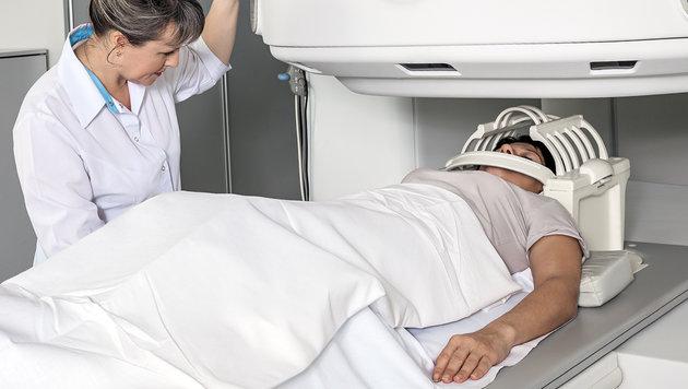 Krebspatienten warten acht Wochen auf Untersuchung (Bild: thinkstockphotos.de)
