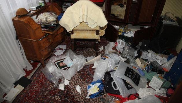 Die Räumlichkeiten in der Villa von Eva W. und ihrem Mann wurden total verwüstet. (Bild: KRONEN ZEITUNG)