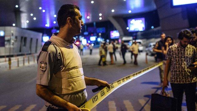 47 Tote bei Anschlag auf Istanbuler Flughafen (Bild: APA/AFP/Ozan Kose)