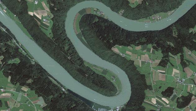 Selbst ländliche Gefilde wie die Schlögener Schlinge in Oberösterreich sind scharf auf Google Maps. (Bild: Google Maps)