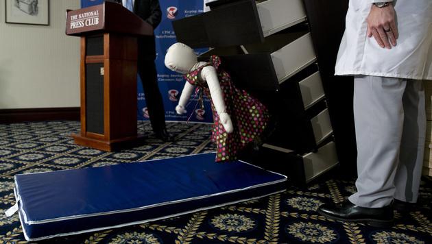 Kommode tötete Kinder: Ikea zahlt Entschädigung (Bild: Associated Press)