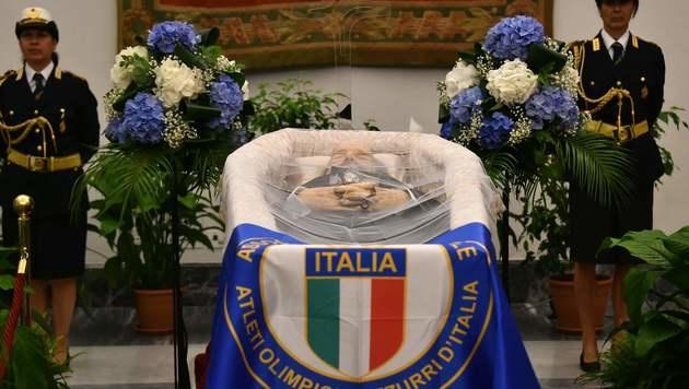 Bud Spencer wurde in Rom aufgebahrt. (Bild: APA/AFP/GABRIEL BOUYS)