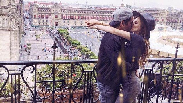 Bella Thorne: Küsse vor einer wunderschönen Kulisse (Bild: Viennareport)