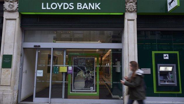 Die Bank Lloyds streicht nach dem Brexit Hunderte Jobs. (Bild: AFP)