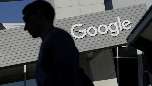 EU-Kartellstrafe lässt Google-Gewinn einbrechen (Bild: AP)