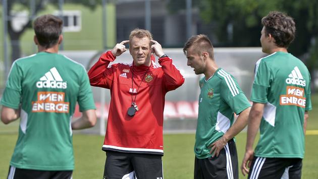 """Rapid-Trainer Mike Büskens: """"Kein Wunschkonzert!"""" (Bild: APA/HERBERT NEUBAUER)"""