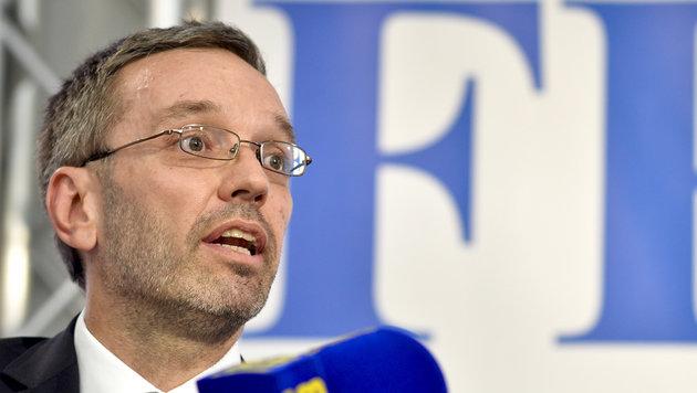 FPÖ-Generalsekretär Herbert Kickl sieht keinen Imageschaden für Österreich. (Bild: APA/HERBERT NEUBAUER)