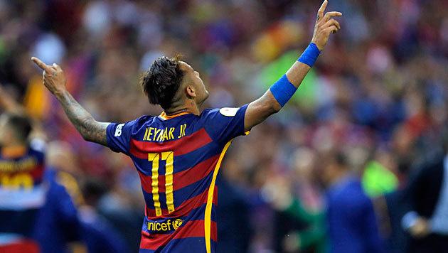 Neymar verl�ngert bei Barcelona bis 2021 (Bild: AP)