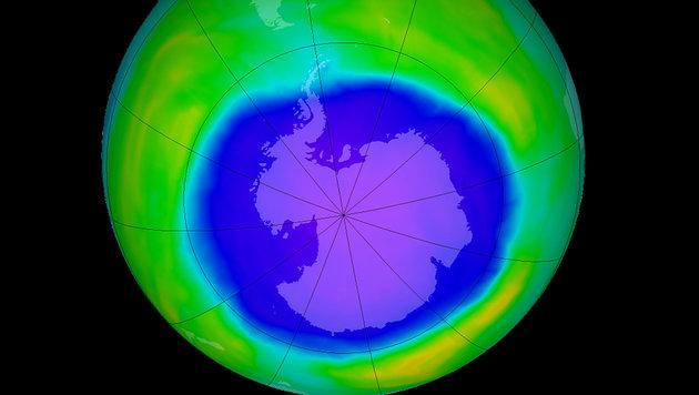 Das Ozonloch über der Antarktis am 2. Oktober 2015 (Bild: NASA/Ozone Hole Watch)