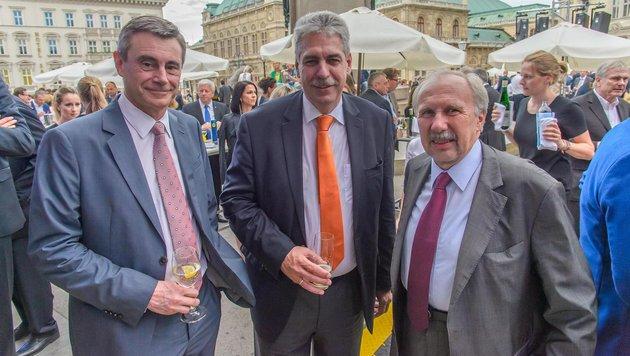 Heinrich Schaller mit Hansjörg Schelling und Ewald Nowotny (Bild: ViennaPress / Andreas TISCHLER)