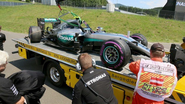 Mysteriöser Rosberg-Unfall im dritten Training (Bild: AP)